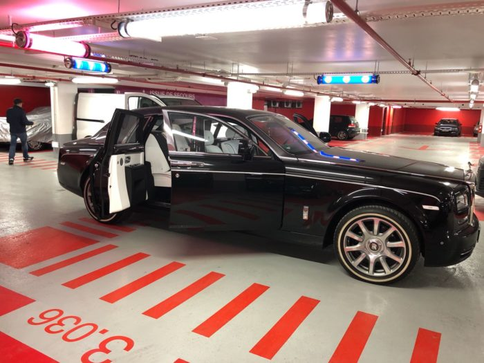 Rolls royce phantom avec chauffeur en ligne